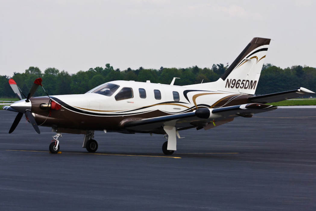 Photo of the Socata TBM 850 N965DM on the tarmac that was involved in a fatal crash near Buffalo, NY